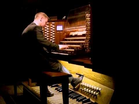 Johann Vexo play Louis Vierne: Symphonie II at Notre Dame Cathedral in P...