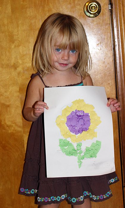 Toddler Paper Mosaic Art. Use tissue paper and they fill in the picture.