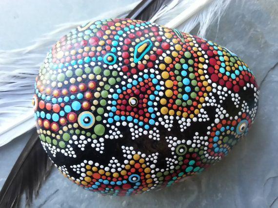 Dot Art/Aboriginal/Beach Stone Art/Painted por TheLakeshoreStore, $25.00