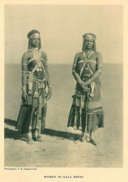 xhosa women 1900- I am sooo excited about coming acroos this image. Love it