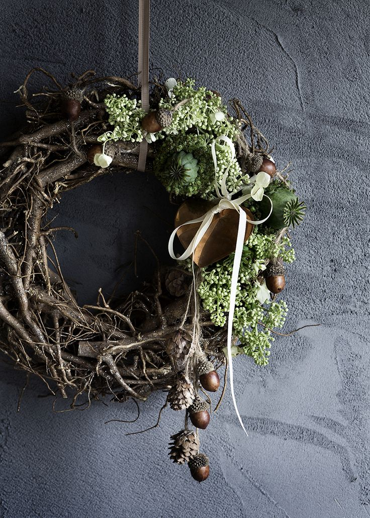 natural twig and moss wreath. Love!!
