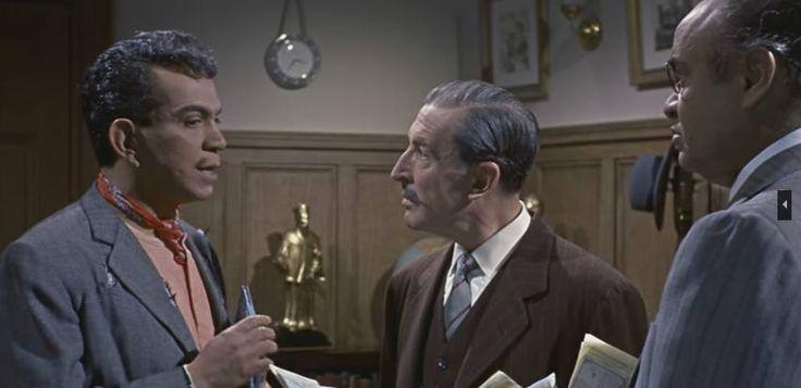 """Cantinflas, Ángel Garasa y Miguel Manzano en """"El analfabeto"""" Director: Miguel M. Delgado, 1960."""