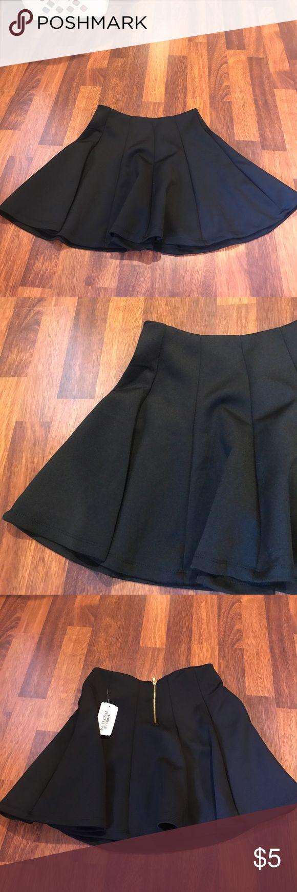 Forever21 circle skirt Forever21 black circle skirt. Gold zipper on back. Still has tags on it Forever 21 Skirts Circle & Skater