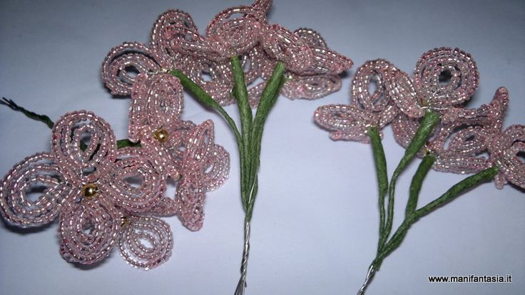 tutorial fiori di perline ortensia l'ortensia è uno dei miei fiori preferiti, è spettacolare da vedere in piena fioritura con i suoi grandi fiori che resistono per tutta l'estate anche l'ortensia di perline è abbastanza complessa da fare ma non