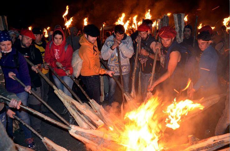 La festa s'acaba amb totes les falles a la foguera. #UNESCO #heritage