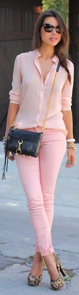 Pink Pastel Combination -- 60 Stylish Spring Outfits @styleestate. Los zapatos HORRIBLES!!!