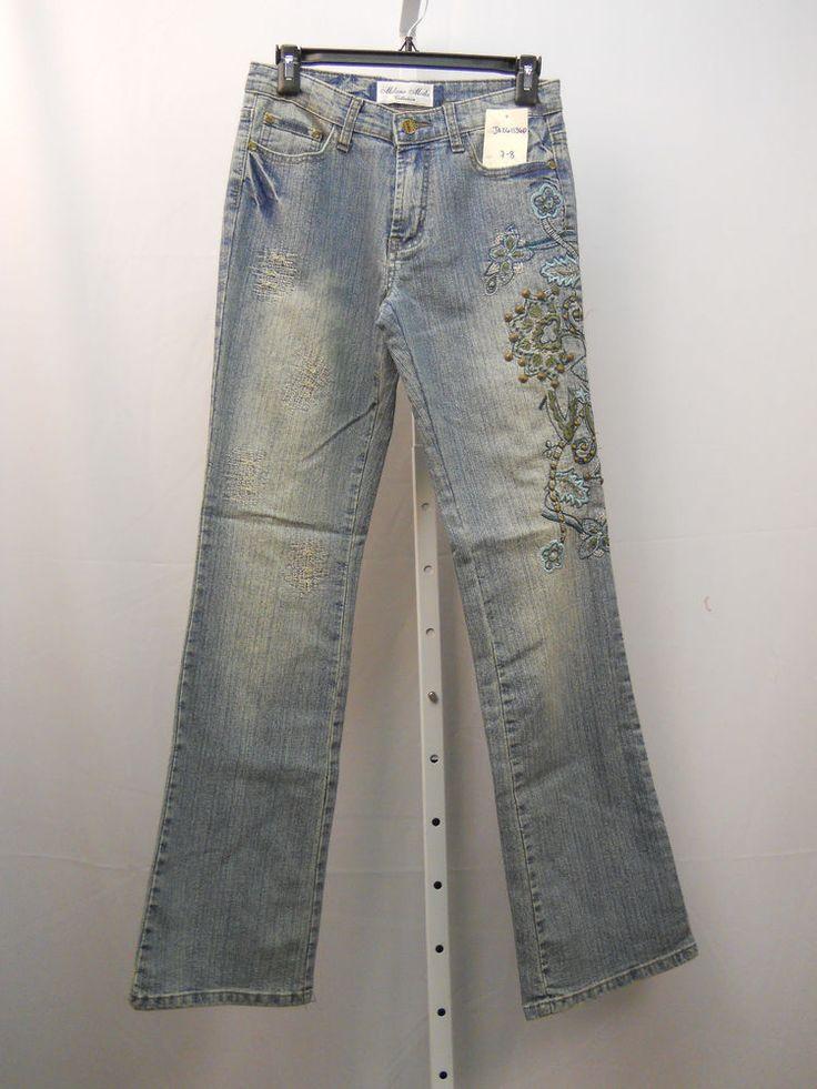 Milano Moda Embellished Stonewashed Women's Boot Cut Legs 30X33 Jeans Size 7-8 #MilanoModa #BootCut