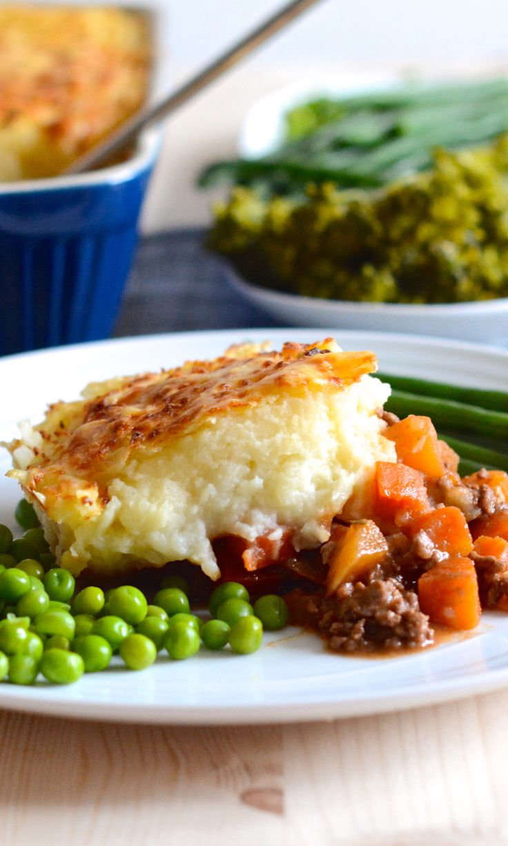 My delicious cottage pie recipe – Beef and root vegetables in a rich gravy, topped with mashed potatoes and melted cheese.
