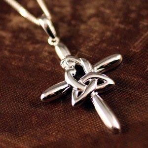 <3 Irish Jewelry!Tattoo Ideas, Celtic Mothers, Motherhood Knots, Celtic Crosses, Irish Crosses Tattoo, Knots Crosses, Mothers Knots, Celtic Motherhood Knot, Irish Motherhood