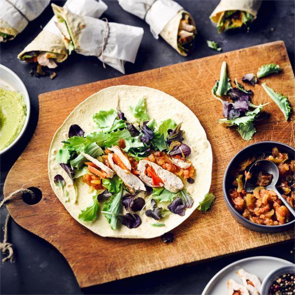 Einmal gebacken, vielseitig verwendbar: Tortillas! Probiert unser Rezept mit Avocado-Dip. #dip #tortillas #edeka