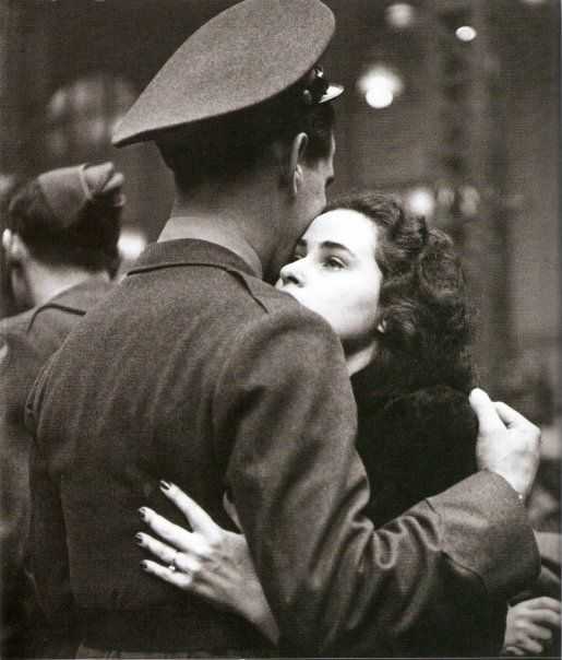"""""""The Long Goodbye"""" (Alfred Eisenstaedt, January 1, 1944)"""
