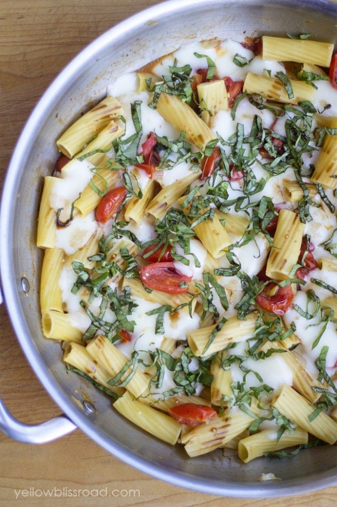 25 Easy Weeknight Dinner Recipes - The Idea Room Caprese Pasta