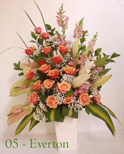 """""""Saya tunggu minggu pagi jam 6 sudah sampai di meja dapur, ini kejutan buat istri"""" permintaan romantis bunga untuk ulang tahun istri"""