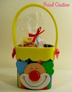 modelo lembrancinha palhaco EVA caixinha de leite Dia das criancas aniversario volta as aulas alunos escola reciclagem (6)
