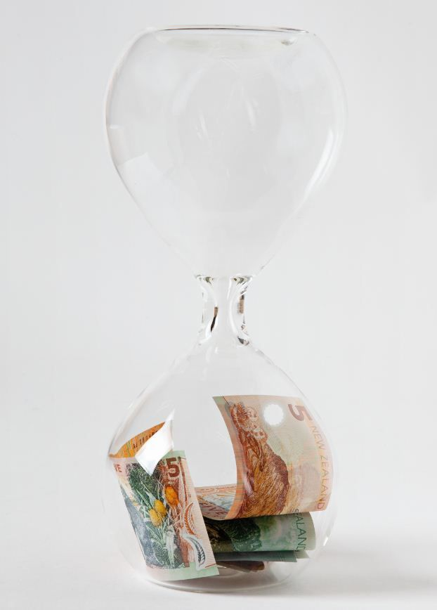 Could this possibly be? Lance Pearce. Custom hourglass, New Zealand currency notes.