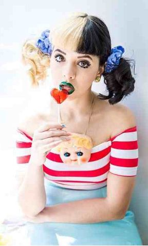 Melanie Martinez | Only know one song from her, but these pictures of her are adorable.