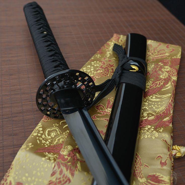 Groot katana zwaard als kunst aan een muur  41' hand forged all black 1060 blade japanese Katana samurai real sword tang in Collectibles, Knives, Swords & Blades, Swords | eBay