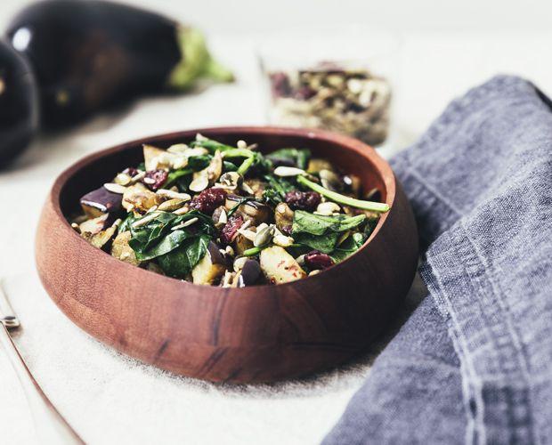 Forkæl dig selv med en salat, der er sprængfyldt af smagsoplevelser og nem at lave.