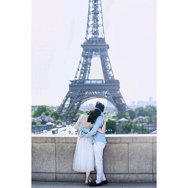 Making memories of us ... . . @andy_chandra @iclickphotograph .  #prewedding #engagement #love #parisinlove #parisprewedding #instawedding #journey #together