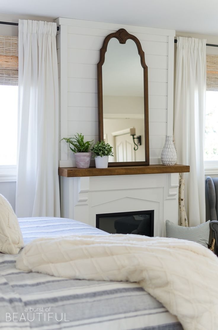 17 best ideas about modern farmhouse bedroom on pinterest for Country farmhouse window treatments