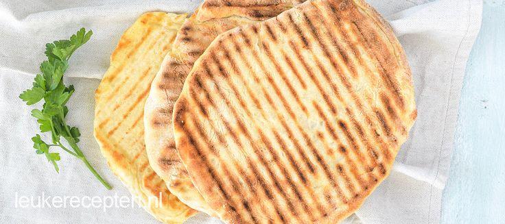 Naanbrood is is een luchtig brood, gemaakt in een handomdraai. Met dit recept kun je het naanbrood in zoete en hartige bereidingen gebruiken.