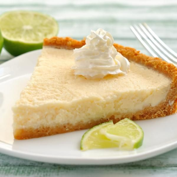 Aprende a preparar postre frío de limon con esta rica y fácil receta.  Postre frío de limón, pastel de limón o pie, así es como se le llama a este delicioso postre d...