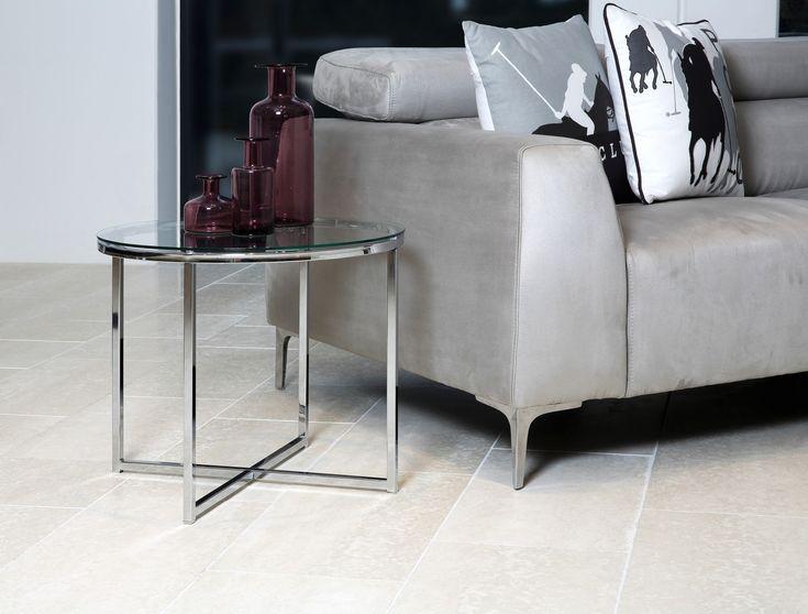 Interiorul casei dumneavoastra va fi admirat de cei care indragesc liniile bine definite, simplitatea formelor dar si functionalitatea acestora. #coffeetable #homedecor