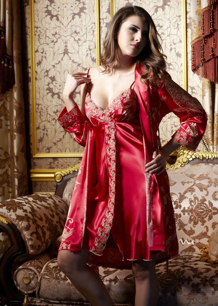 125 besten pajamas bilder auf pinterest f r frauen nachthemd und satin. Black Bedroom Furniture Sets. Home Design Ideas