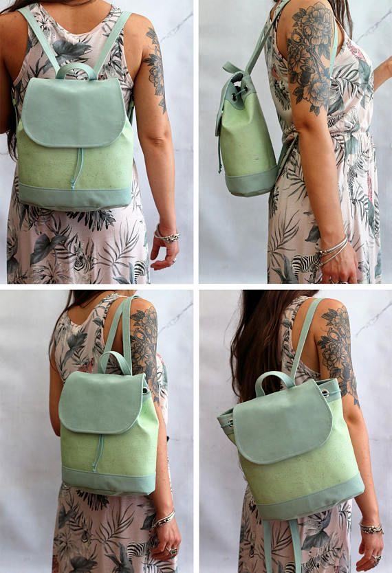 Bucket backpack in sughero e alcantara. Zaino in alcantara