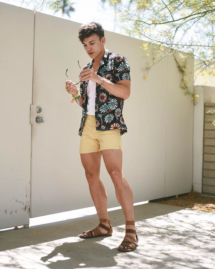 "12.9k Likes, 149 Comments - Justin Livingston (@justinliv) on Instagram: ""festival day two look ✨ • wearing @topman shirt + @orlebarbrown trunks + @rayban…"""