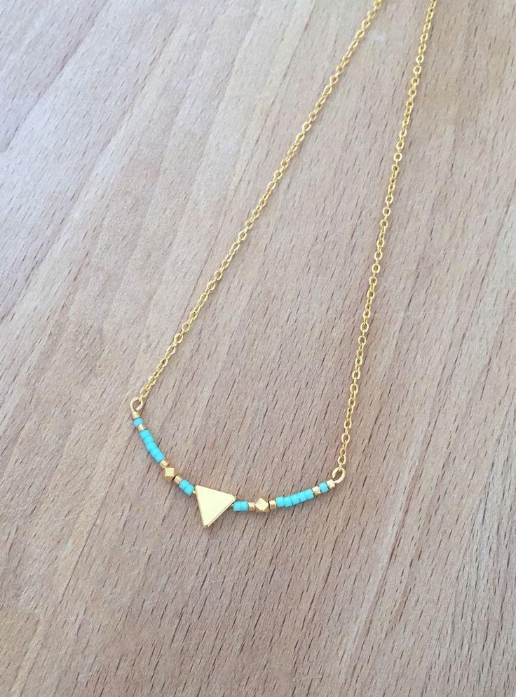 Collier Minimaliste Triangle Plaqué Or 24k et Perle