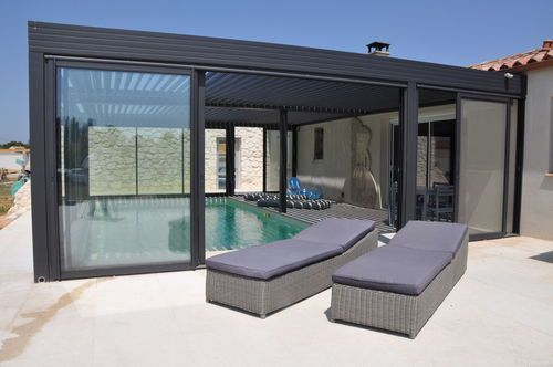 les 25 meilleures id es de la cat gorie pergola bioclimatique sur pinterest porche d 39 t. Black Bedroom Furniture Sets. Home Design Ideas