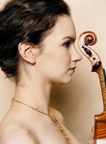Hilary Hahn Photo: © Mathias Bothor / DG