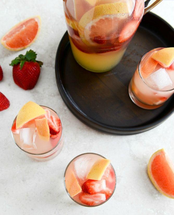Sparkling Grapefruit Sangria | howsweeteats.com