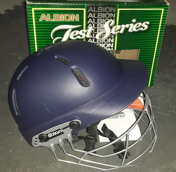 Tornado Cricket Store - Albion C