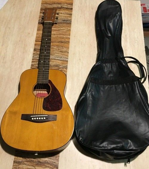 Pin On Acoustic Guitar For Sale