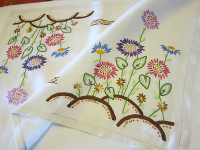 ** SALE ** BEAUTIFUL VINTAGE HAND EMBROIDERED LINEN TABLE CENTRE / TROLLEY CLOTH   eBay