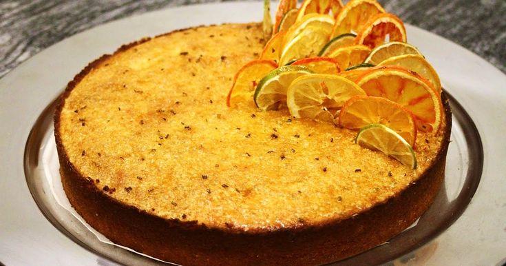 Törmäsin mielenkiintoiseen reseptiin etsiessäni ohjetta johonkin keväiseen, appelsiinin makuiseen kakkuun. Appelsiini-rosmariini-polen...