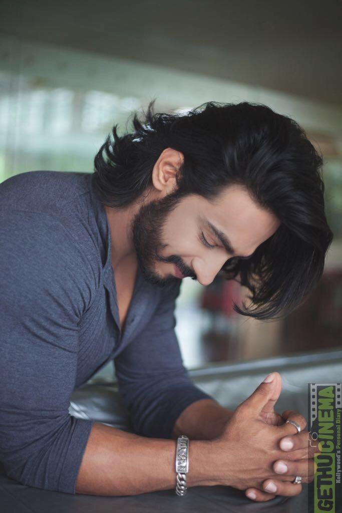Singam 3 Villain Thakur Anoop Singh 2017 Hd Gallery Gethu Cinema Long Hair Styles Men Hair And Beard Styles Gents Hair Style