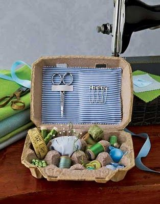 Costurero hecho con un cartón de huevos/ Sewing done with an eggs carton