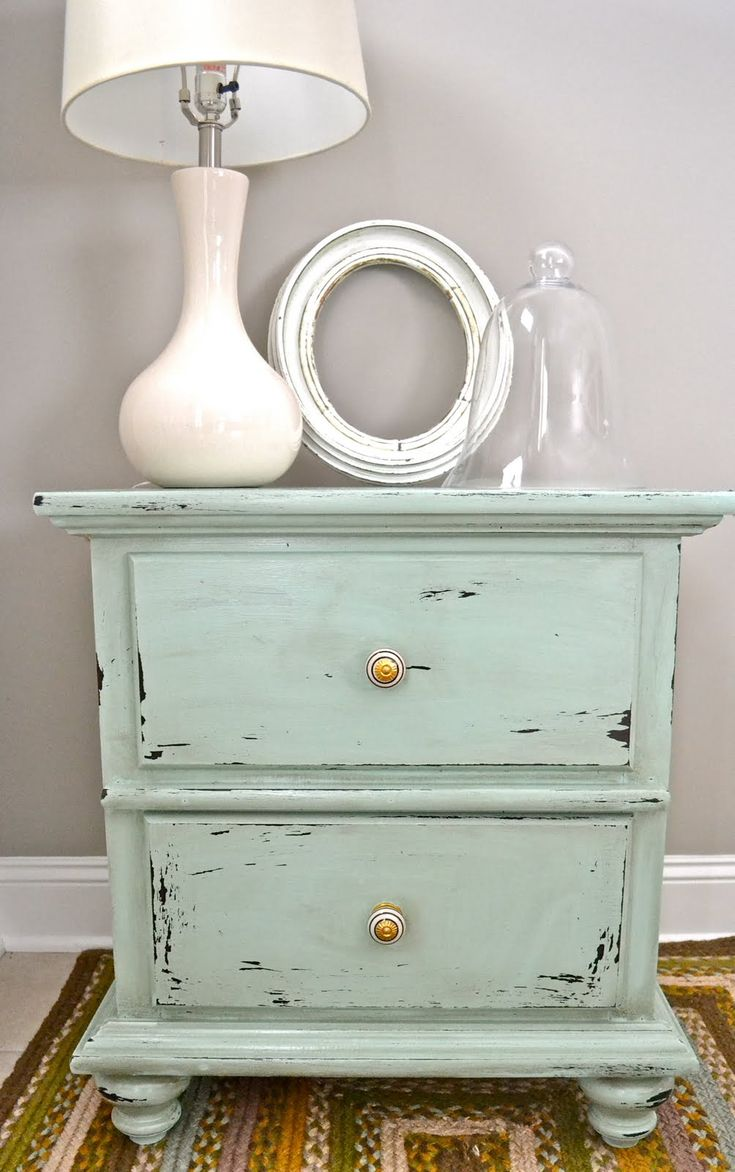 Love the soft rustic blue gray and white. This is what I am going to do to my end table! mk