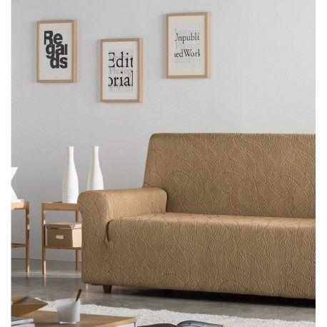 Funda de sofá Alexia. Protege tu sofá y sillas de los golpes de uso diario con las fundas elásticas Alexia de la casa Zebra textil. Diseño de figuras asimétricas, composición tejido 60% poliéster - 38% algodón - 2 poliéster que permite un fácil mantenimiento en tu lavadora doméstica. Disponible en 9 colores diferentes azul, verde, rojo, beig, naranja, gris, marrón, violeta y marfil 1 Plaza: 70/ cm 2 Plazas: 130/ 170cm 3 Plazas: 170/ 170cm  Maxi:    210/ 240cm