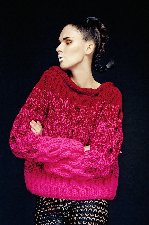 Florencia Kozuch A/W 2011 - my guess is that the yarn was held double and the middle was one of each color.