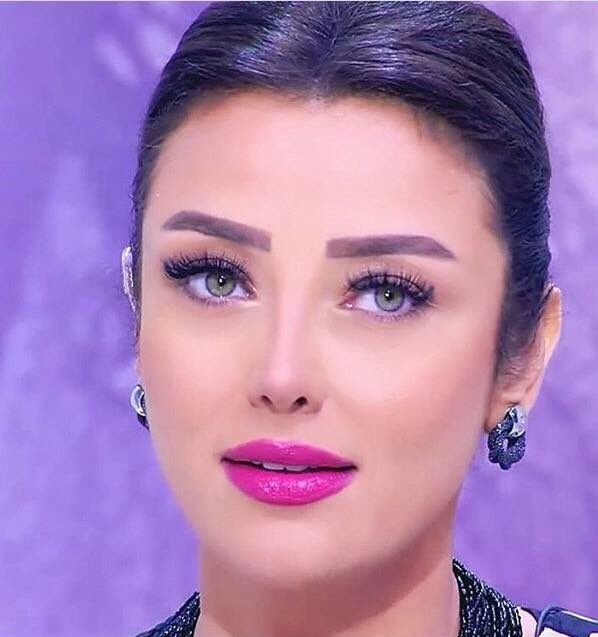 Radwa El Sherbiny Radwaelsherbiny Twitter Makeup Beauty Kristen Stewart Actress