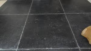 de hardhouten vloer zou ik willen combineren met zo'n soort tegel