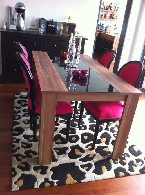 omg this is totally going to be my future dinning room! lol love the leopard print and pink!