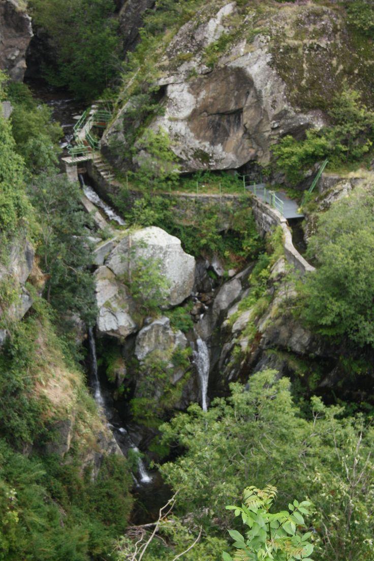 2010 - Riu Flamisell al seu pas per la Roca del Colomer. Vist des de Cabdella. (La Vall Fosca - Pallars Jussà).
