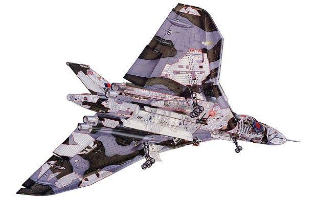 Avro Vulcan XH558 - world's last flying Vulcan bomber forced to retire in 2013