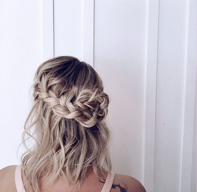 We love this romantic style, created by @gen_chignon_urbain. #YourBestHair #Braids