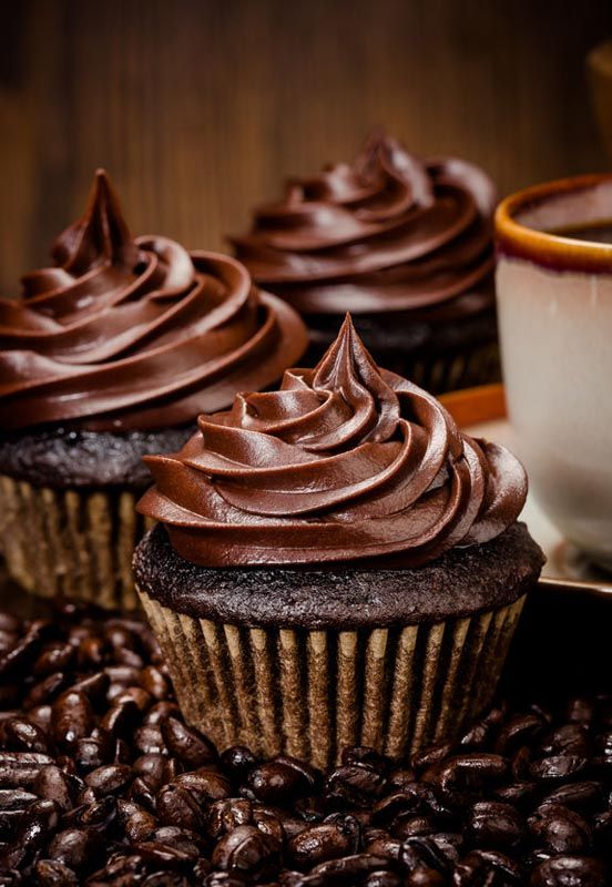 AVAILABLE TO EVERYONE: Gluten Free Dairy Free Chocolate Frosting or Mocha - https://glutenfreerecipebox.com/gluten-free-dairy-free-chocolate-frosting/ #glutenfree #dairyfree #chocolate #coconut #frosting #coffee #mocha